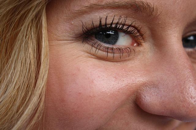 oči blondýny